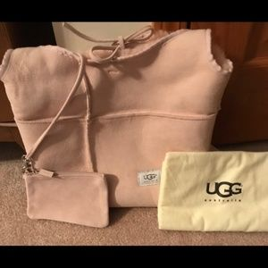 Ugg Bucket Bag = New